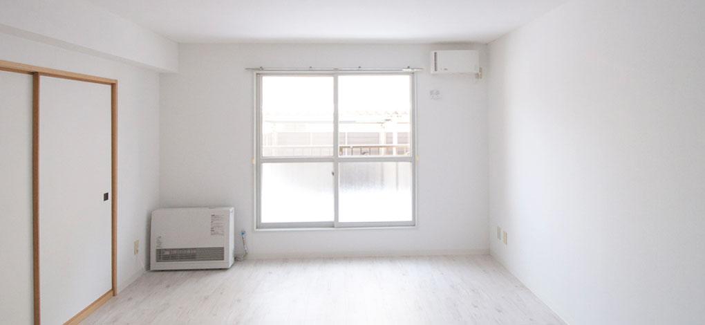 むつみパークマンション107号室のリビング